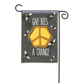 STUDIO M GARDEN FLAG - GIVE BEES A CHANCE