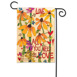 STUDIO M GARDEN FLAG - LOVE IS ALL YOU NEED