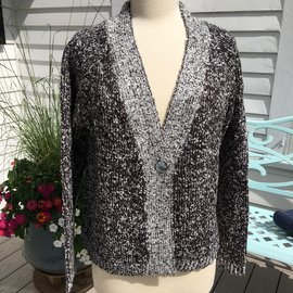WIND RIVER CLOTHING HEATHER CHARCOAL CROP BUTTON CARDIGAN