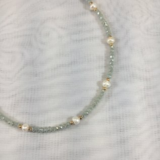 Crystal and Pearl Necklace Mint