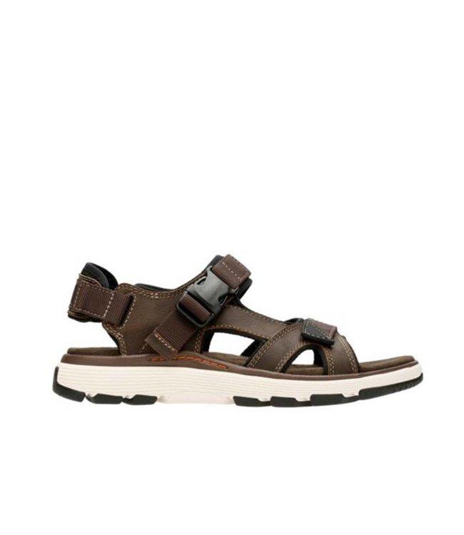 8d8c023d25e8 Clarks UnTrek Bar Olive Men s Sandals