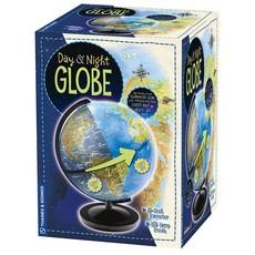 Thames & Kosmos Globe Day & Night