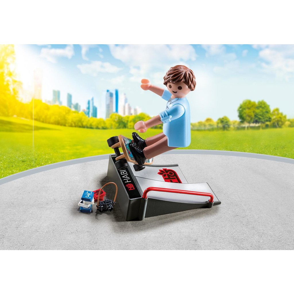 Playmobil Special Skateboarder with Ramp