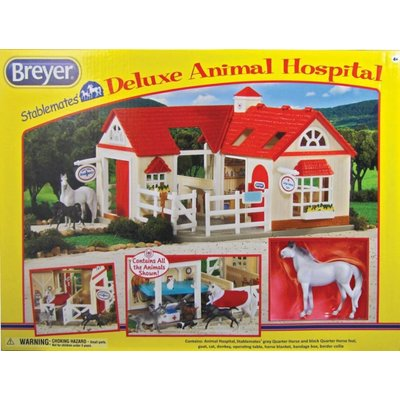Breyer Breyer Stablemates Deluxe Animal Hospital