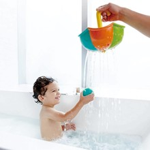 Hape Toys Hape Bath: Rainy Day Catching Set