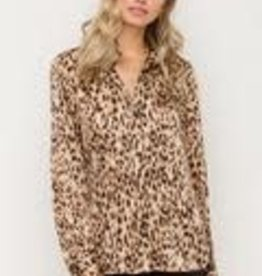 hem and thread Leopard top