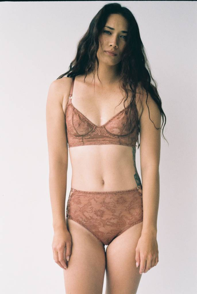 Lonely Bella midline bra