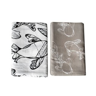 Nest Designs Fancy Fish Bamboo Swaddle 2 pack