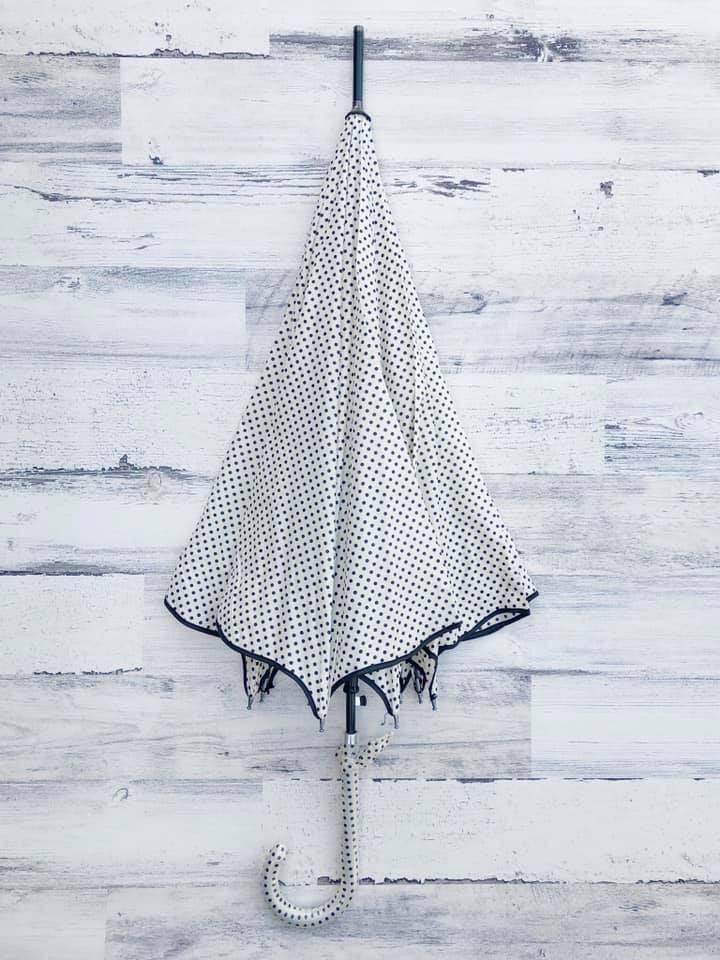 Polka Dot Scallop Umbrella, Cream