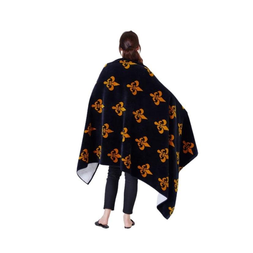 Black & Gold Fleur de Lis Beach Towel