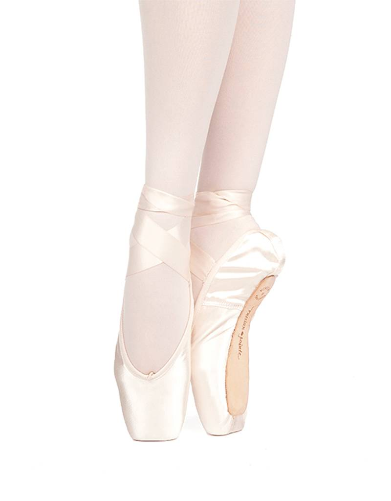 Russian Pointe Size 38: Muse U-Cut Pointe Shoes with Drawstring