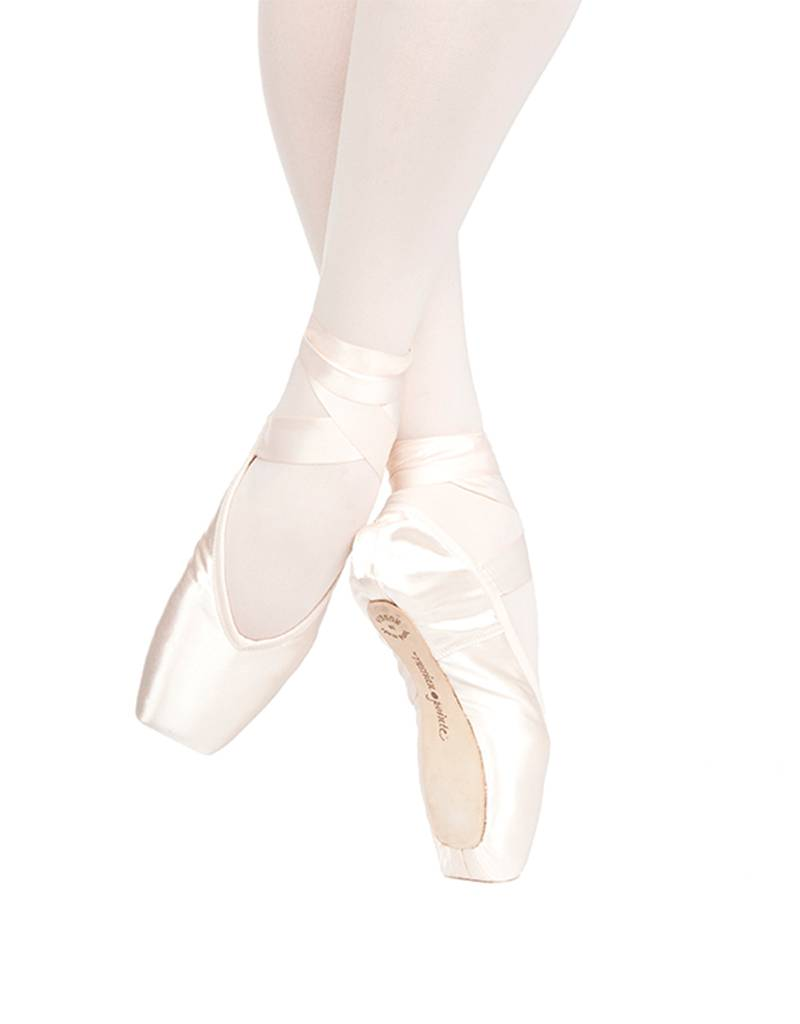 Russian Pointe Size 37: Muse V-Cut