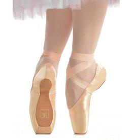 Gaynor Minden Sleek Medium Size 6.5