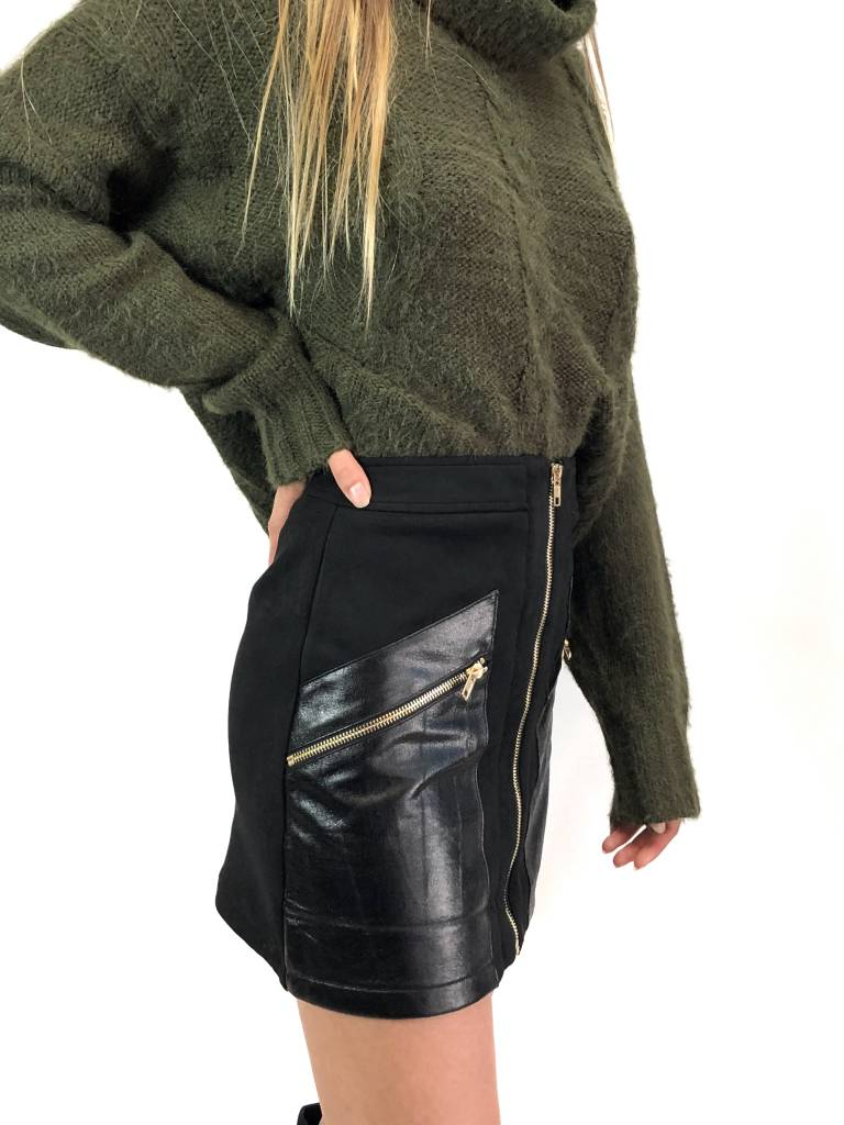 Knockout Mini Skirt