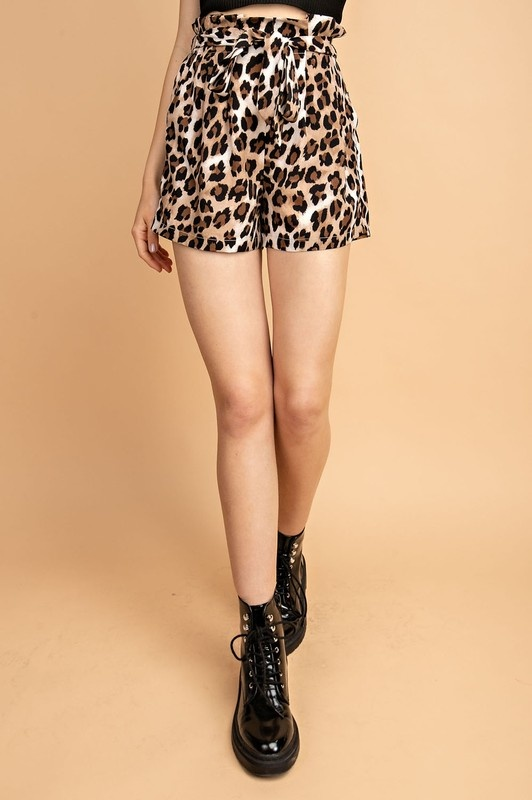 Jolie Leopard Shorts