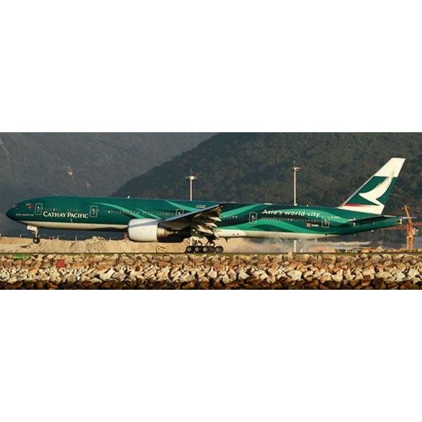 JC Wings B777-300ER Cathay Pacific Asia World City 1:400 flaps down