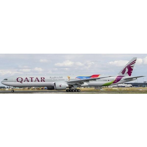 Phoenix B777-300ER Qatar FIFA World Cup 2022 A7-BAX 1:400
