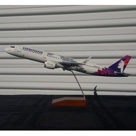 Gemini Jets A330-200 Hawaiian New Livery 2017 1:100 with stand
