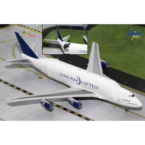 B747-LCF Dreamlifter Boeing House Livery N747BC 1:200 With opening fuselage & stand