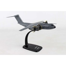 SkyMarks A400M Atlas Airbus House 1:200 with stand