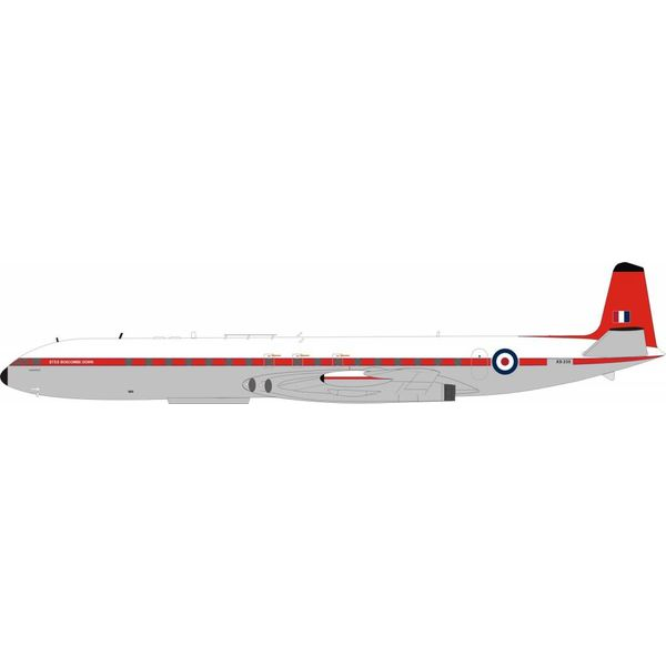 InFlight DH106 Comet 4C Royal Air Force RAF Royal Aircraft Establishment XS235 1:200 with stand