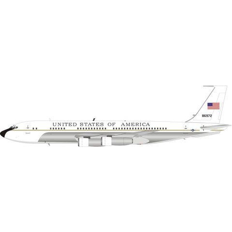 VC137B / B707-153B US Air Force USAF 58-6972 white livery 1:200 with stand Polished