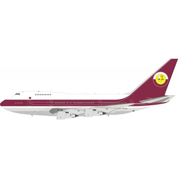 InFlight B747SP Qatar Amiri Flight VP-BAT 1:200 with stand