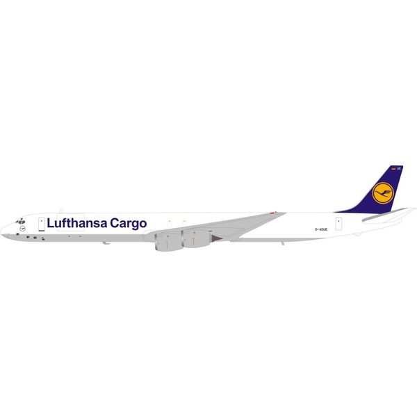 InFlight DC8-73F Lufthansa Cargo D-ADUE 1:200 with stand