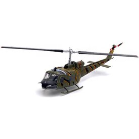 WarMaster UH1B Huey US Army Tiger Stripe Vietnam 1964 1:72 with stand