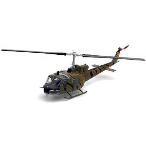 UH1B Huey US Army Tiger Stripe Vietnam 4574 1964 1:72 with stand