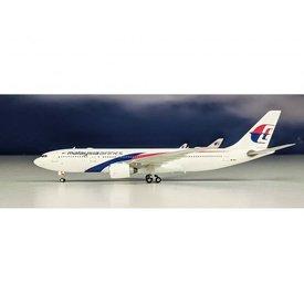 Phoenix A330-200 Malaysia 9M-MTU 2010 livery 1:400