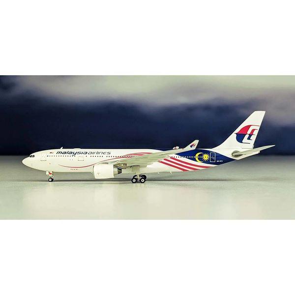 Phoenix A330-200 Malaysia Negaraku 9M-MTX 1:400
