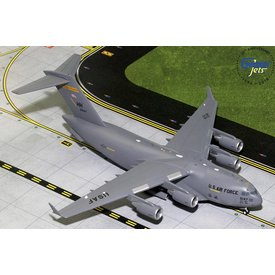 Gemini Jets C17A Globemaster III USAF Hickham AFB Hawaii ANG HH 05-5147 1:200 with stand (2nd)