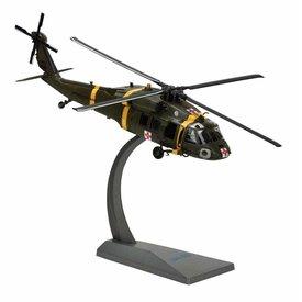 Air Force 1 Model Co. UH60 BlackHawk 377th MEDEVAC US Army 1:72