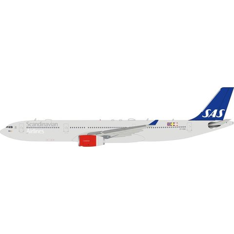 A330-300 SAS OY-KBN 1:200 with stand