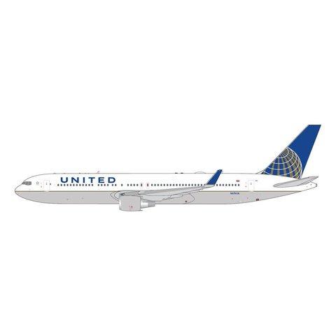 B767-300ERW United 2010 livery N676UA 1:400