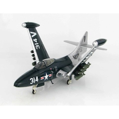 F9F5 Panther VF111 V-314 USS Lake Champlain July 1953 1:48 with stand