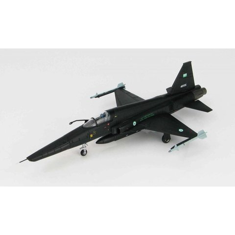 RF5E Freedom Fighter Royal Saudi Air Force (black) 40195 1:72 with stand