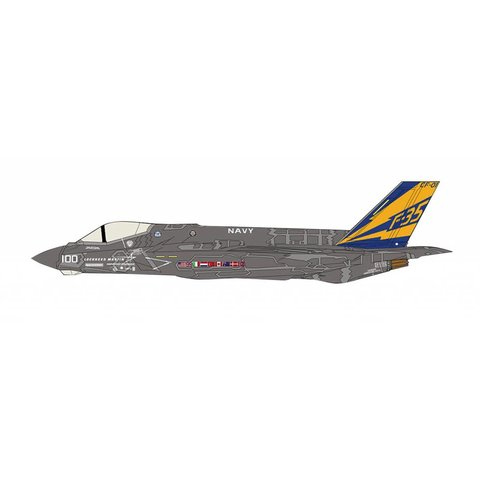 F35C Lightning II CF-01 100 Lockheed Martin US Navy 1 1:72 with stand