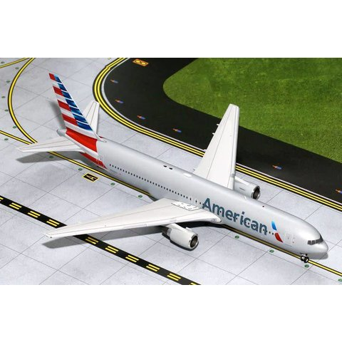 B767-300 American Airlines 2013 livery N368AA 1:200 with stand