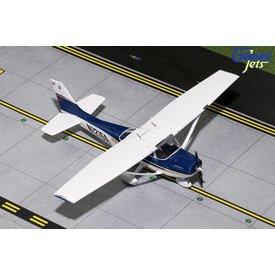 Gemini Jets Cessna 172 Skyhawk SP Sporty's #4 Navy Blue / White N1215A 1:72