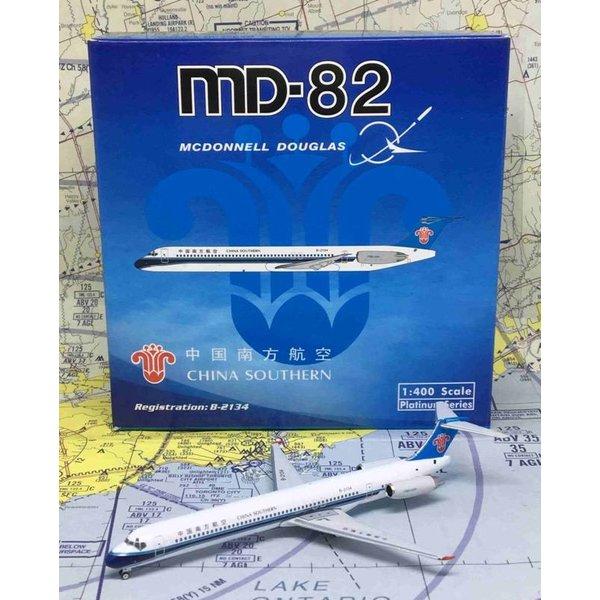 Phoenix MD82 China Southern B2134 1:400