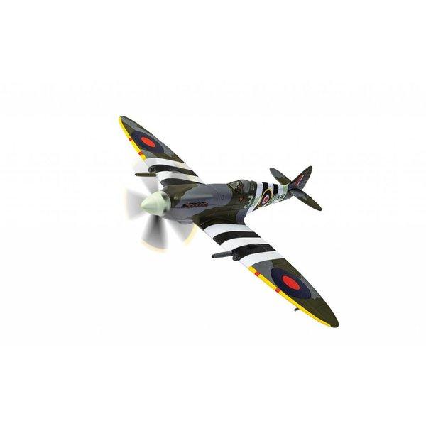 Corgi Spitfire Mk.XIV No.322 (Dutch) Squadron RAF 3W-WI D-Day Deanland August 1944 1:72 with stand