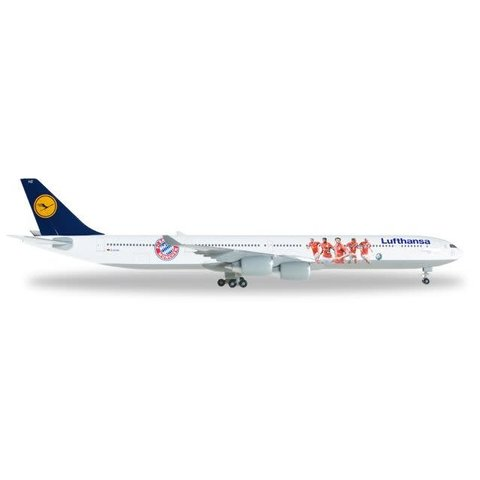 Herpa Lufthansa A340-600 FC Bayern Audi Summer Tour 2016 1:500 with stand