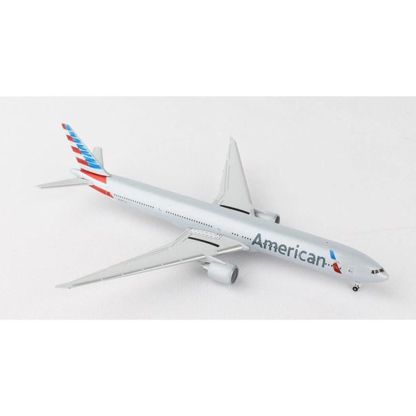Herpa B777-300ER American Airlines livery N731AN 1:500 with stand