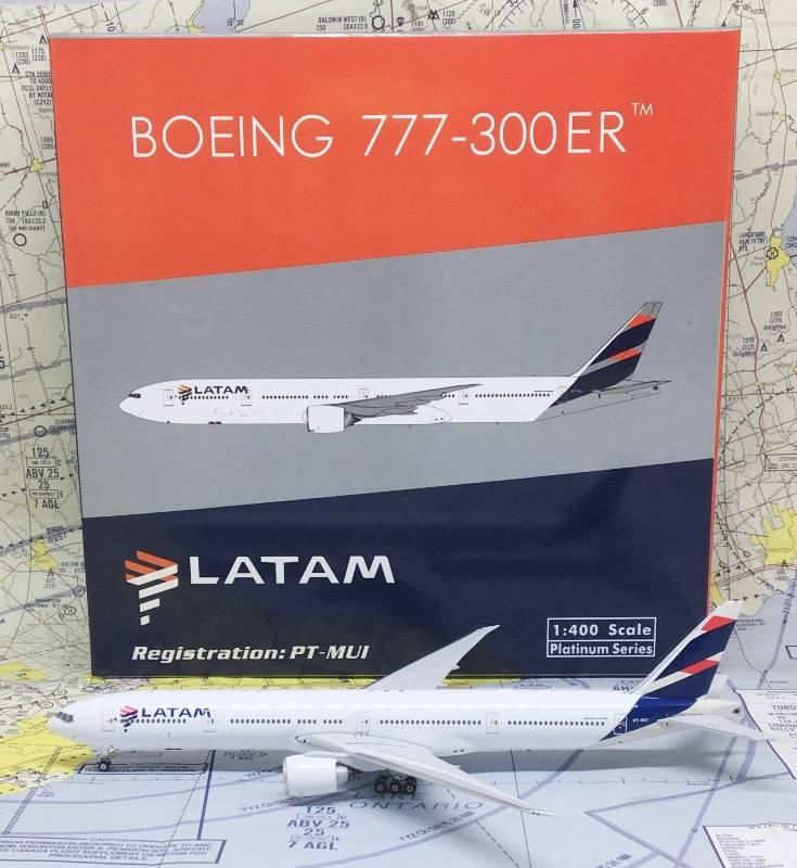 B777-300ER LATAM New Livery 2016 PT-MUI 1:400 by Phoenix