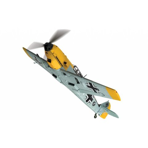 BF109E4 1./(J)/LG2 Fanrich Hans Joachim Marseille WHITE14 3579 1:72 with stand