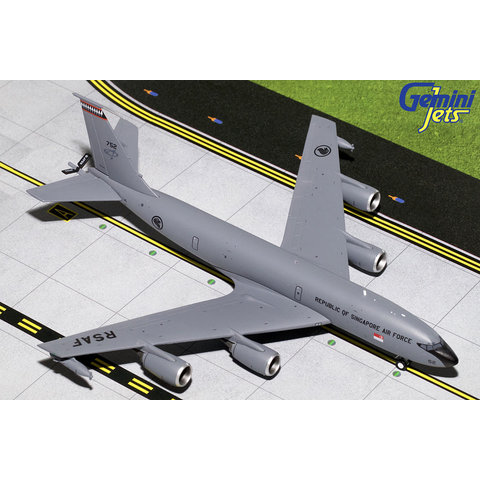 KC135R Republic of Singapore Air Force 752 1:200 with stand
