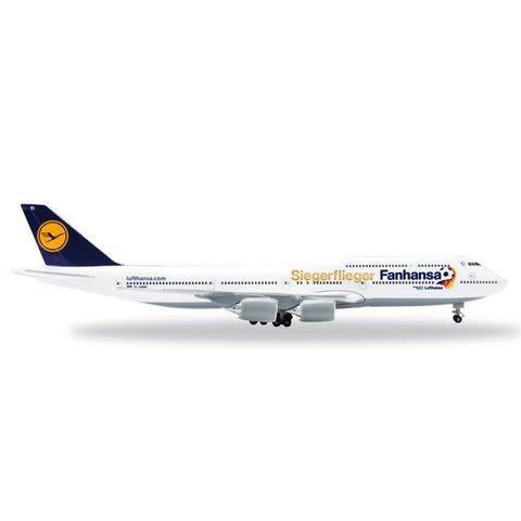 Lufthansa B747-8 FanHansa Siegerflieger 747-8 1:500 with stand