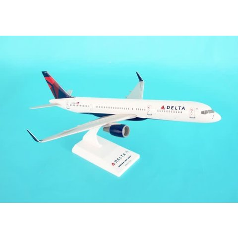 B757-200 Delta 2007 livery N704X 1:150 with stand